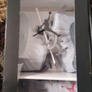 Infant girl grey/pink jordans sz 2c and hat set